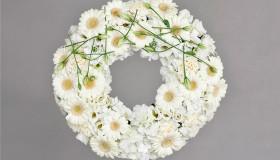Blomster_Krans_hvit_31cm