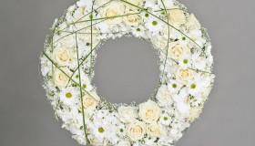 Blomster_Krans_hvit_41cm